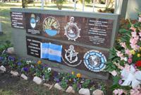 Placas de adhesiones en el Cenotafio